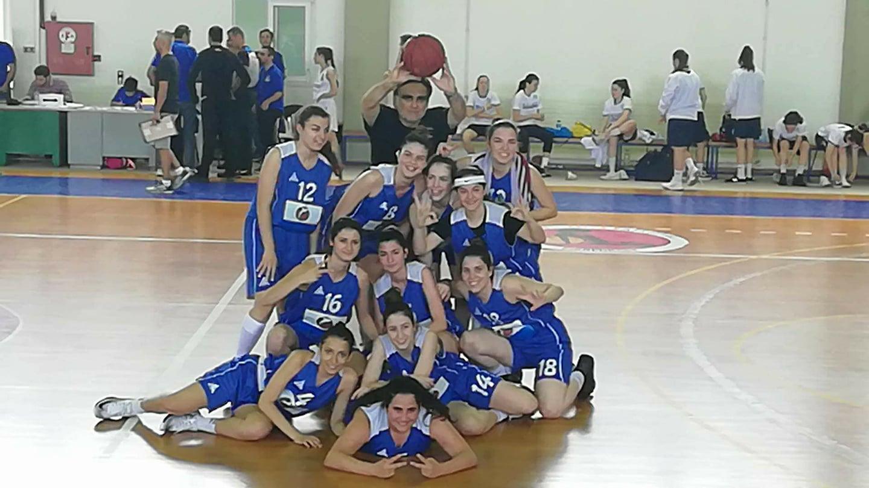 Το 1ο ΓΕΛ Αγ. Παρασκευής κατέλαβε τη 2η θέση στον τελικό του Πανελλήνιου Σχολικού Πρωταθλήματος Μπάσκετ.